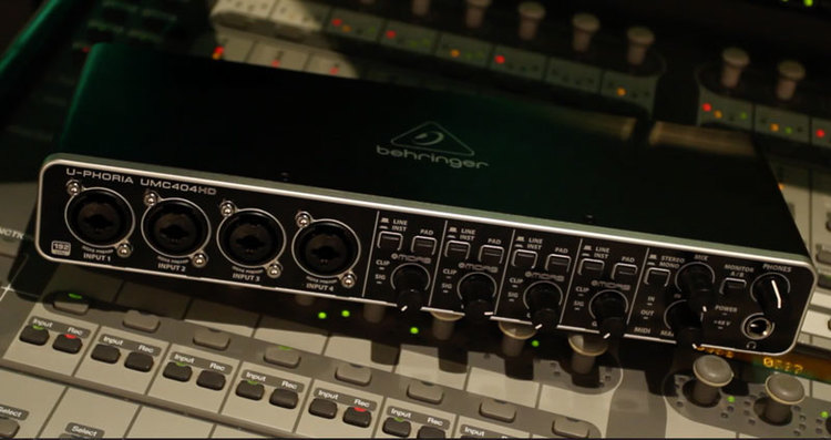BEHRINGER Audio Interface 4-Channel UMC404HD Review