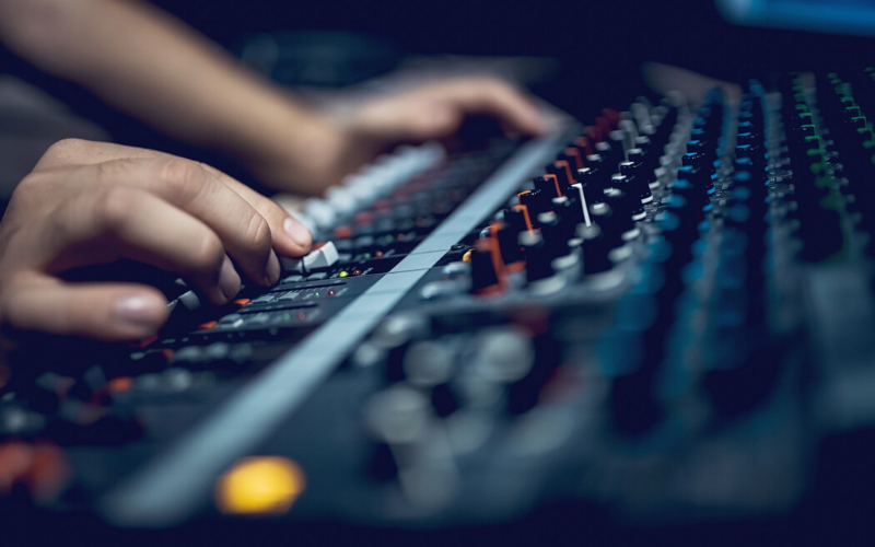 Best Audio Mixers In 2020 – Top 10 Rated Reviews
