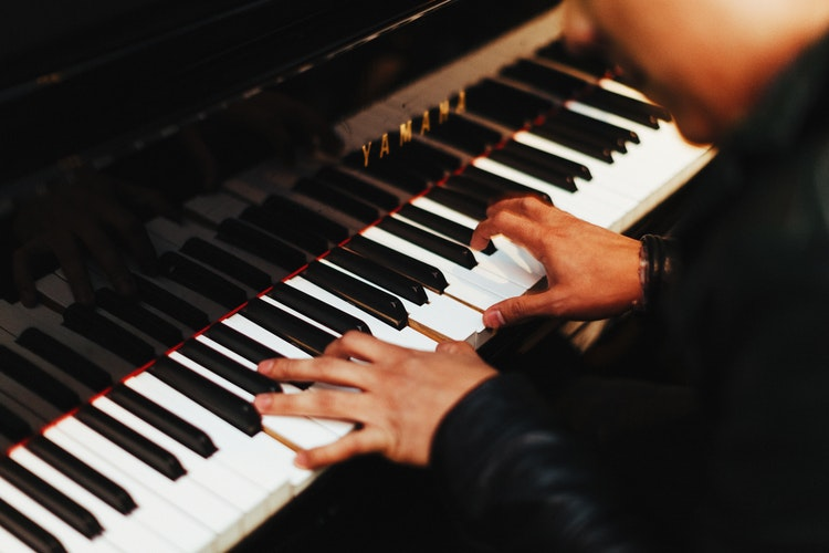 Top 10 Best Digital Pianos of 2020 Reviews