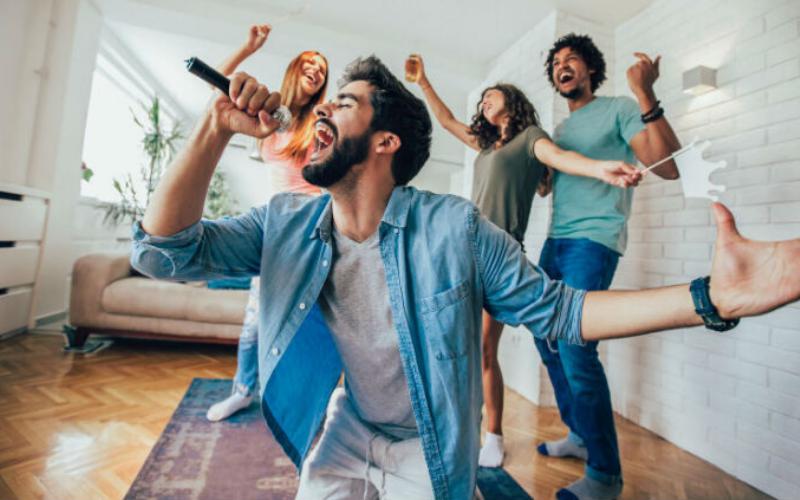 Best Karaoke Microphones – Top 8 Newest List In 2021 Reviews