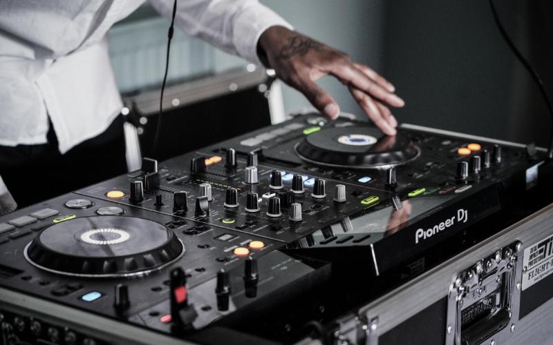 Best DJ Mixers Guide