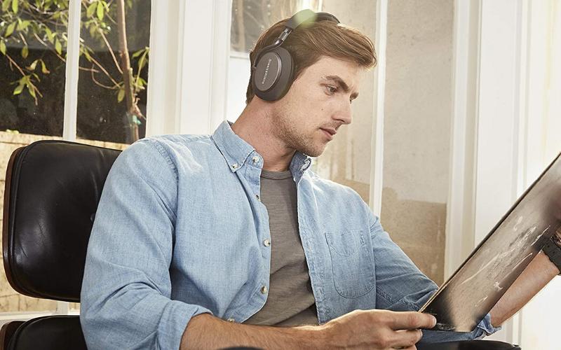 Best Headphones Under $1,000