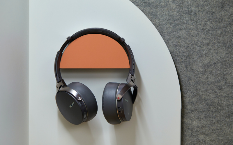 A Brief History of Noise Cancelling Headphones