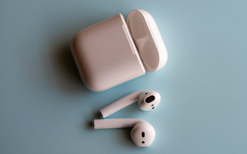 How to reset Apple Airpods Bluetooth headphones