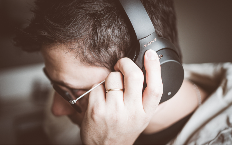 Major Issues Wearing Headphones and Glasses Together