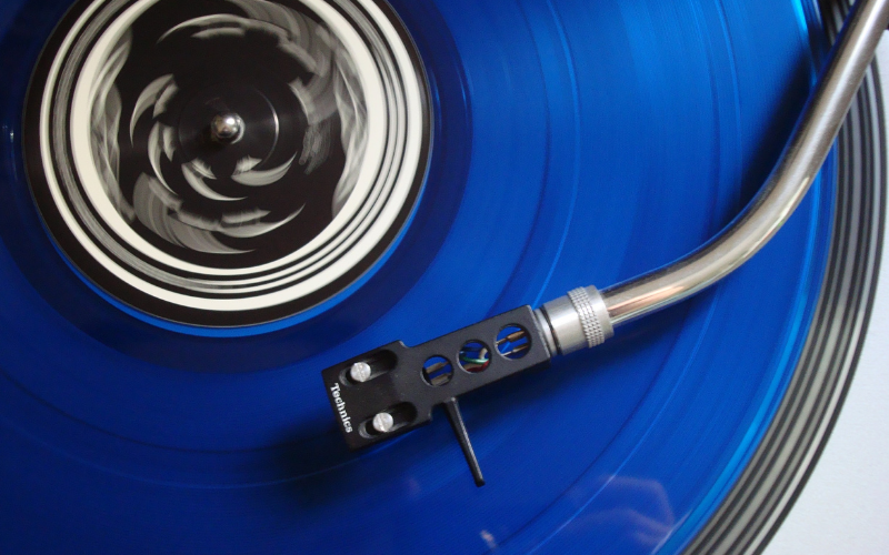 Manual vs Automatic Turntables – Which is the best to buy?
