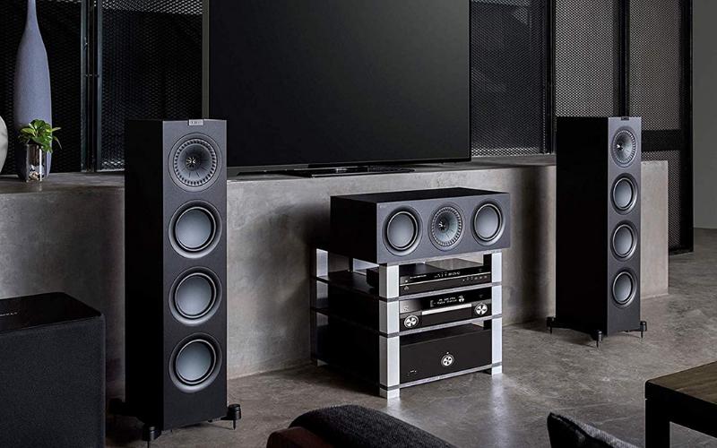 Floorstanding vs. Bookshelf Speakers – Which ones to buy?