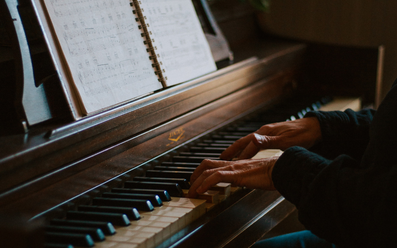 10 First & Easiest Songs You Should Learn on Piano