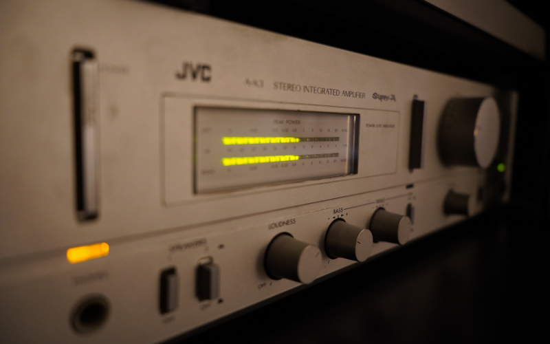 How to Connect a Power Amp to an AV Receiver