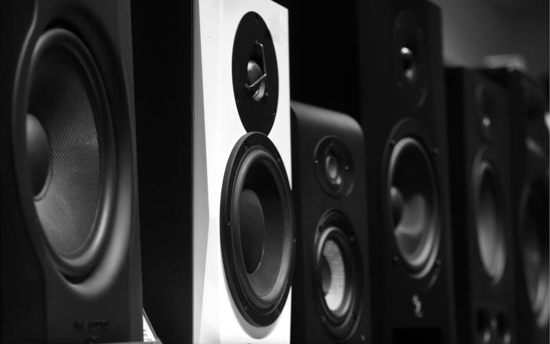 How Do Wireless Speaker Kits Work