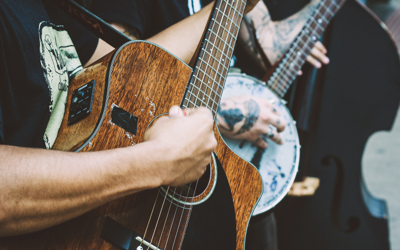 A Guide to Guitarist Slang – Terms You Should Know