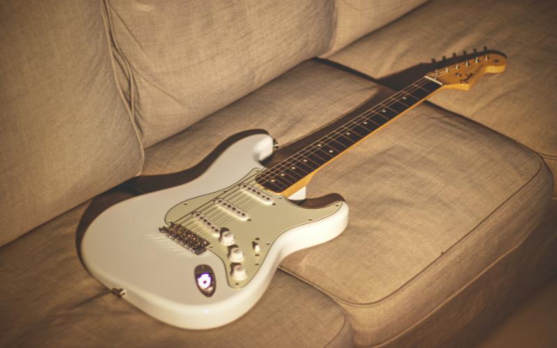Fender Mexican vs American Stratocaster – Comparison in Detail
