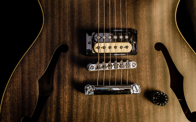 Bridge and Neck Pickup Differences Explained!